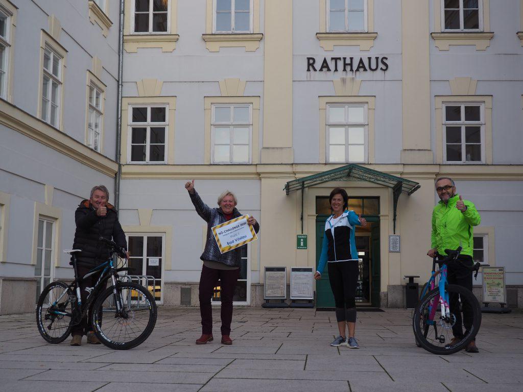 Text: Sie waren ganz vorne mit dabei: Franz Sebestik, Anita Tretthann, Karin Heinthaler und Otto Krainz. (v.l.n.r.) Credit: Stadtgemeinde Bad Vöslau