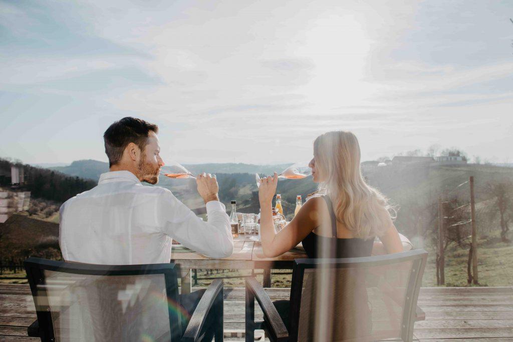 Weinresort- Den Tag mit tollem Service & Ausblick genießen!  Copyright: Conny Leitgeb